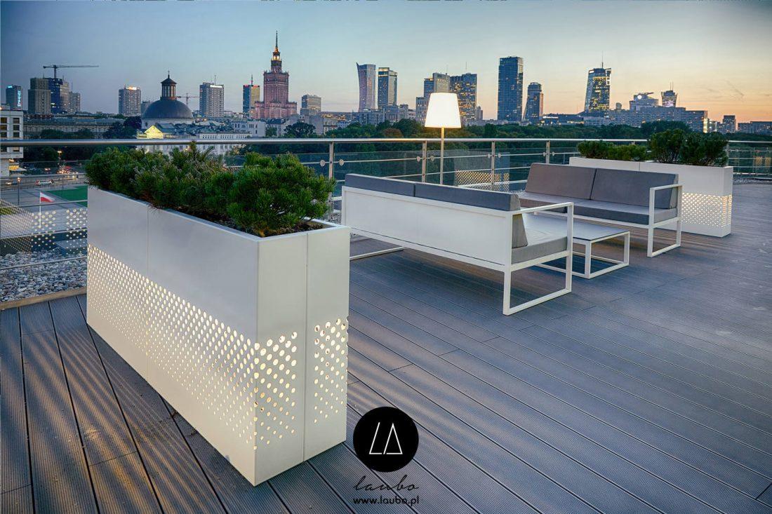 Lightweight elegant terrace planter