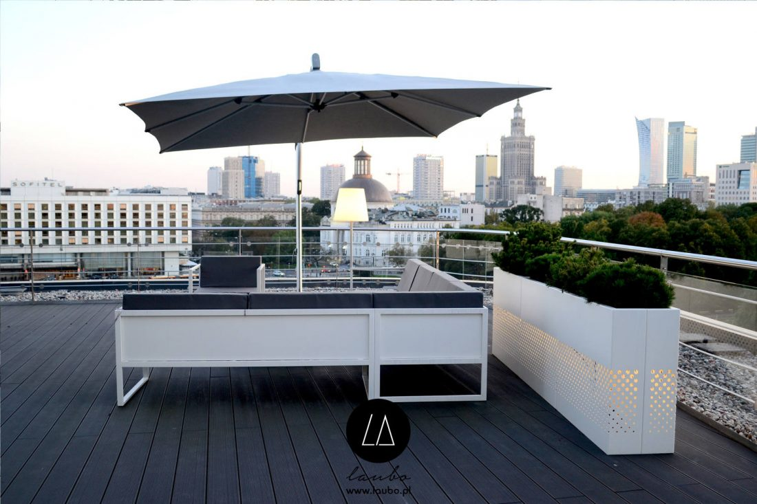 Lightweight outdoor planter for terrace