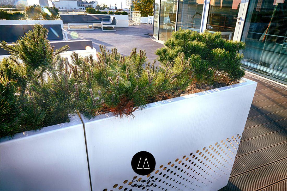 Modern terrace planter