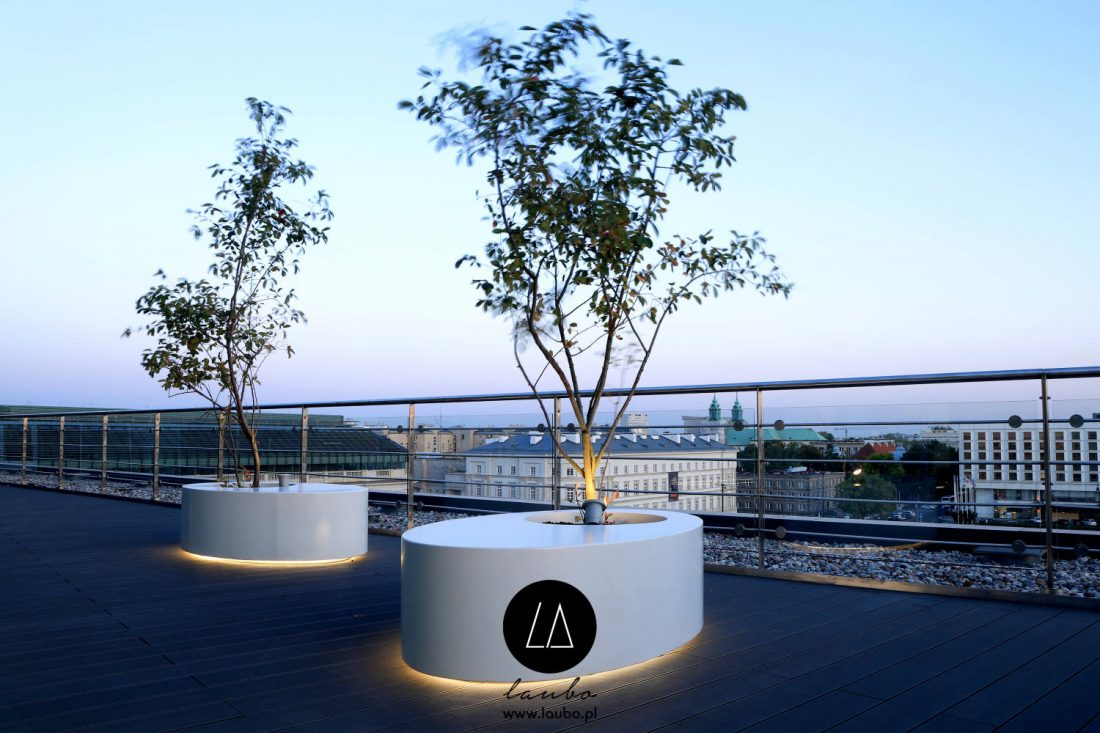 Planters with seat for terrace Laubo Ovo