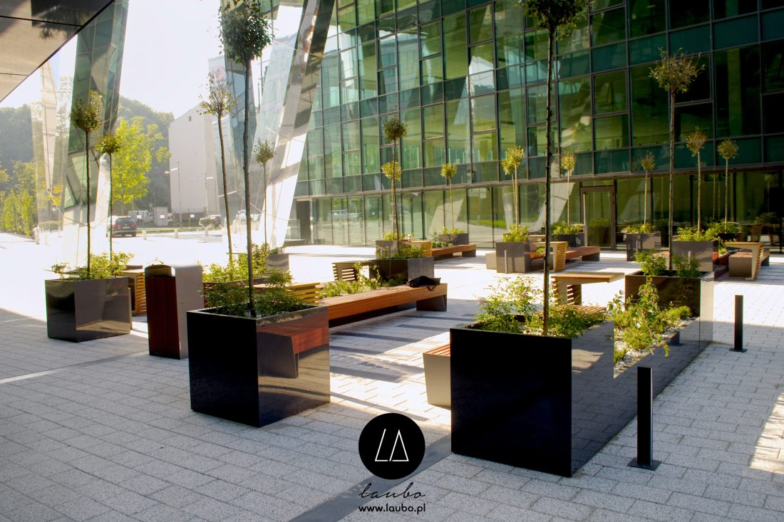 Big terrace planter Cube