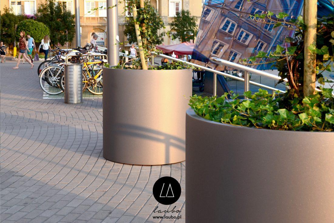 Duże donice do przestrzeni publicznych